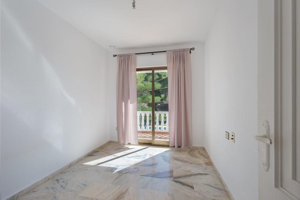 Qlistings - House in Elviria, Costa del Sol Property Image