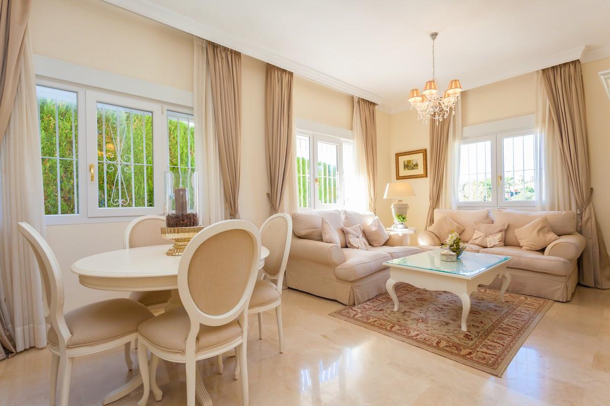 Qlistings - Detached Villa  in Elviria, Costa del Sol Property Image
