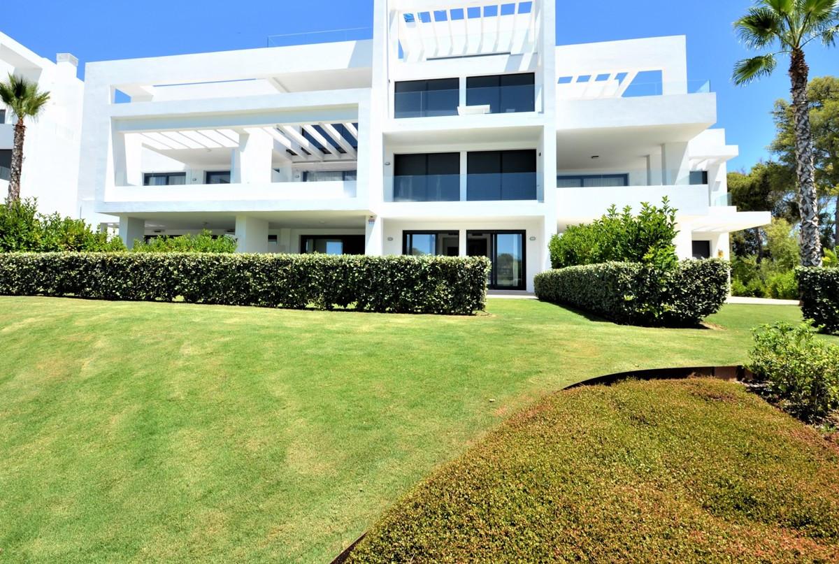 Qlistings - Apartment in Atalaya, Costa del Sol Property Image