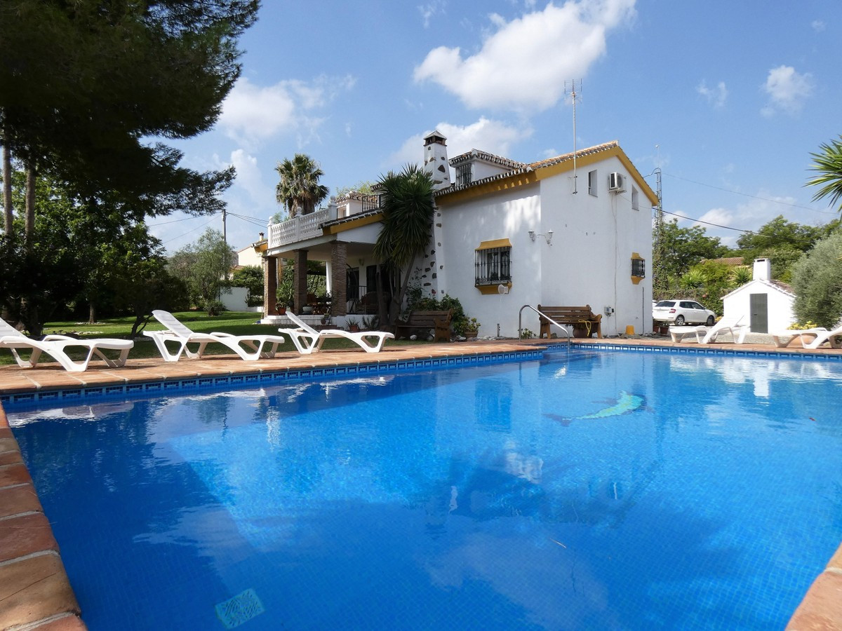 Qlistings - Spacious House in Coín, Costa del Sol Property Image