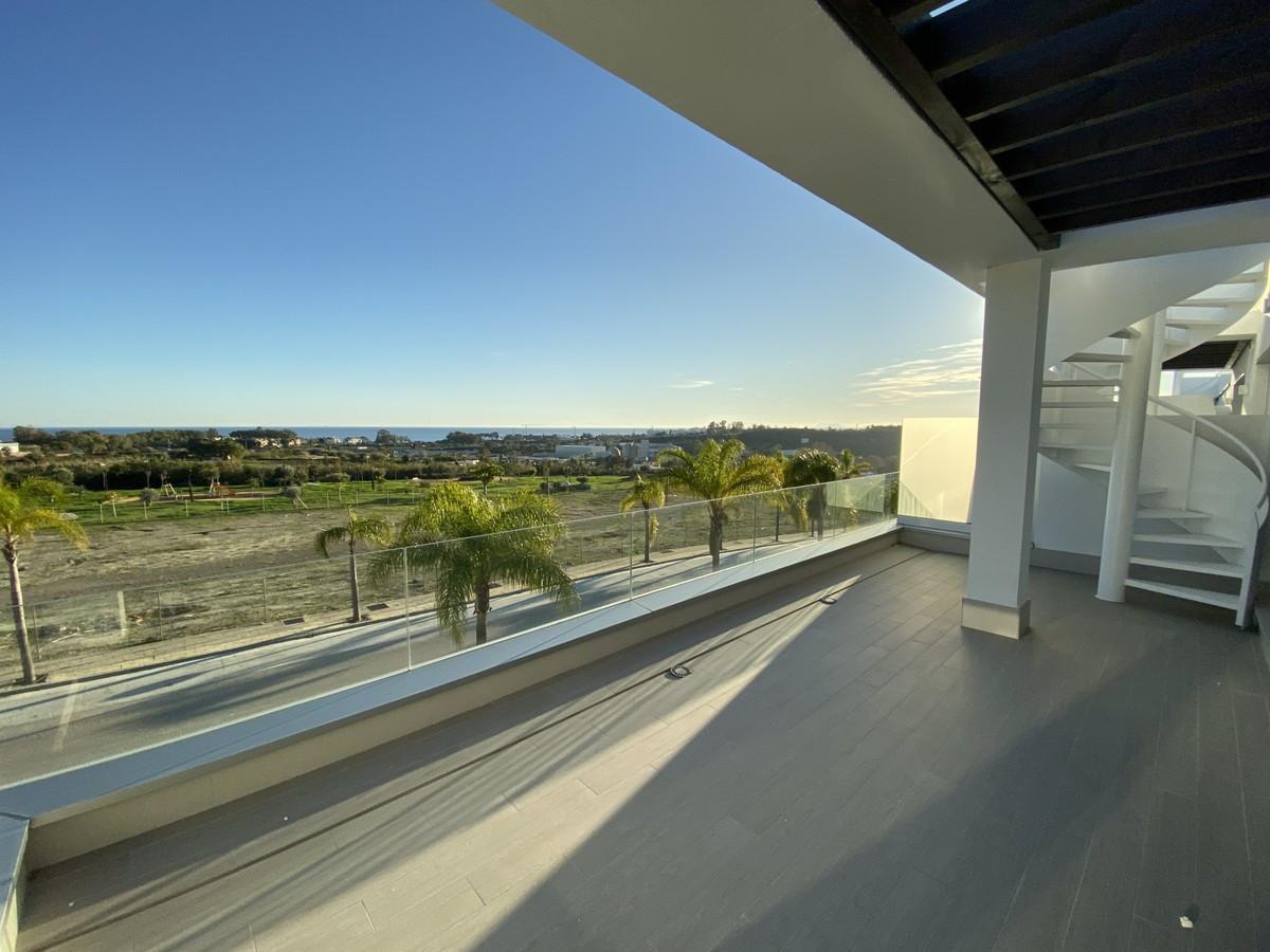 Qlistings - Magnificent Apartment in Cancelada, Costa del Sol Property Image
