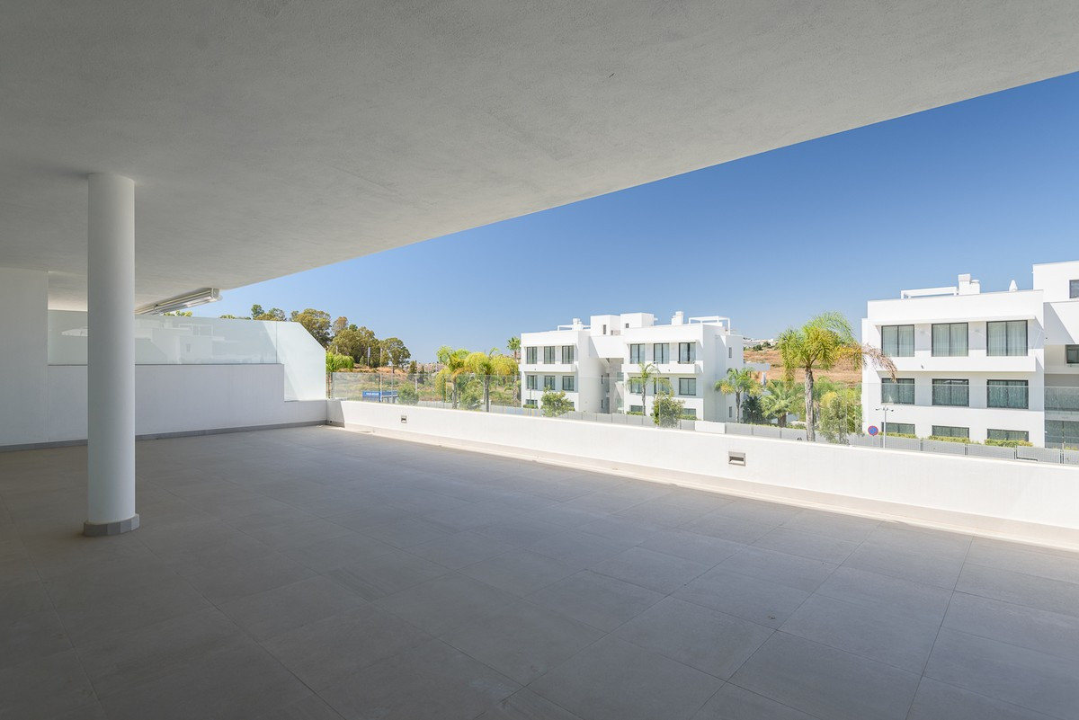 Qlistings - Brand New Modern Design Apartment in Atalaya, Costa del Sol Property Image