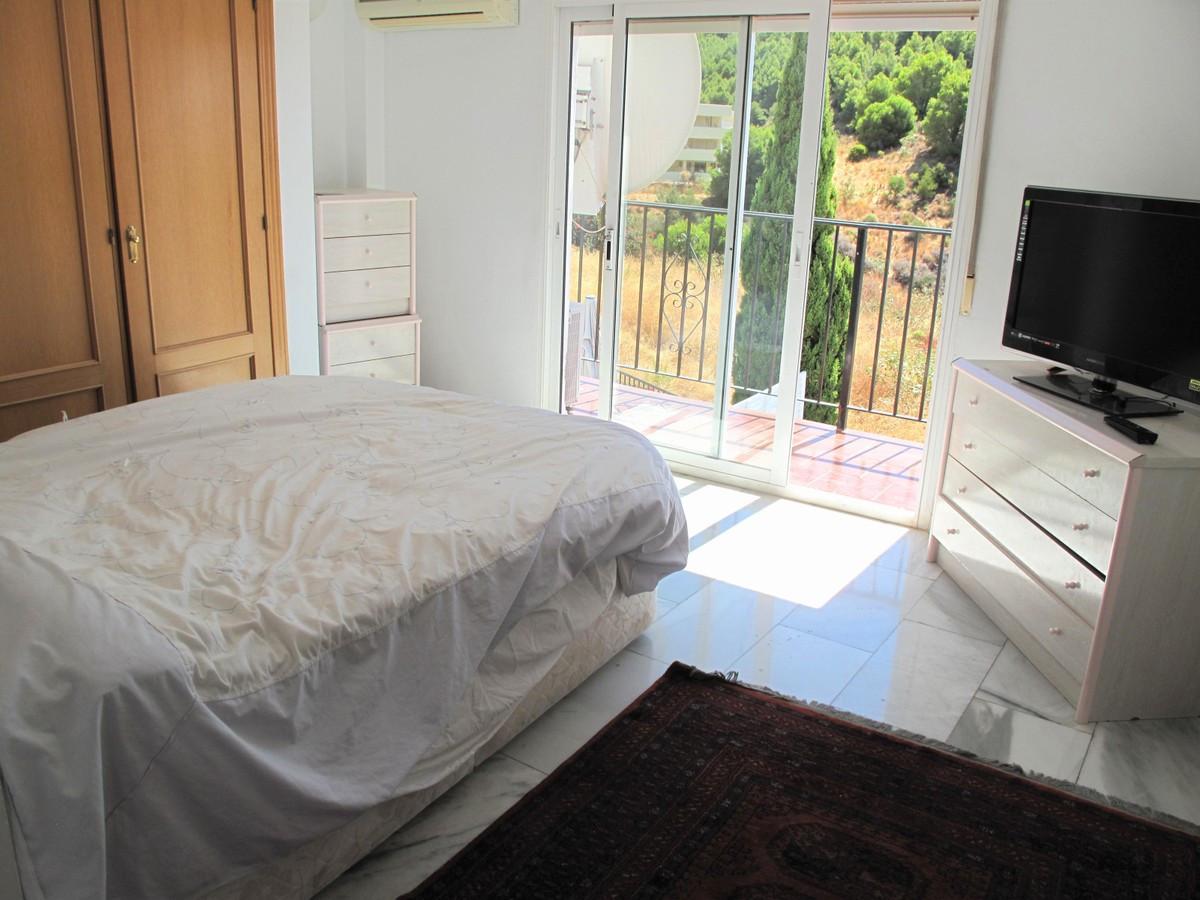 Qlistings - Spacious 4 Bedroom Detached House in Mijas, Costa del Sol Property Image