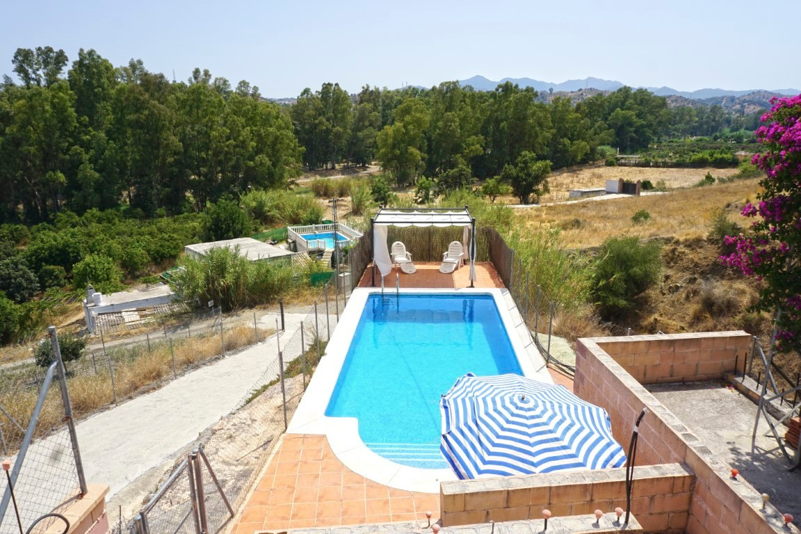 Qlistings - Large Plot of Rustic Land House in Coín, Costa del Sol Property Image