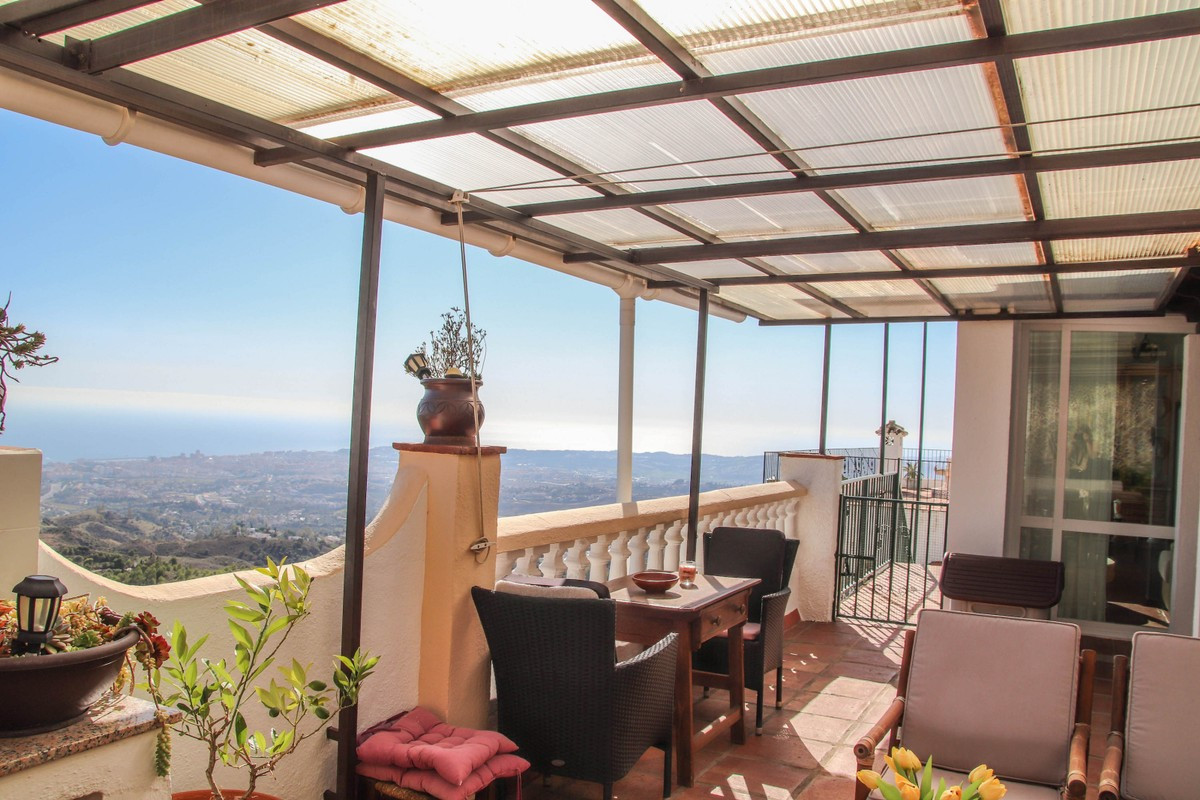 Qlistings - Most Amazing House in Mijas, Costa del Sol Property Image
