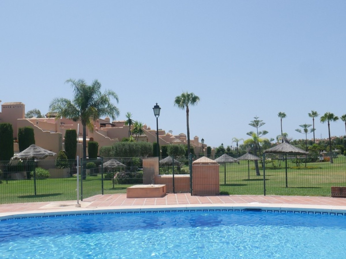 Qlistings - Beautiful Spacious  Apartment in Atalaya, Costa del Sol Property Image