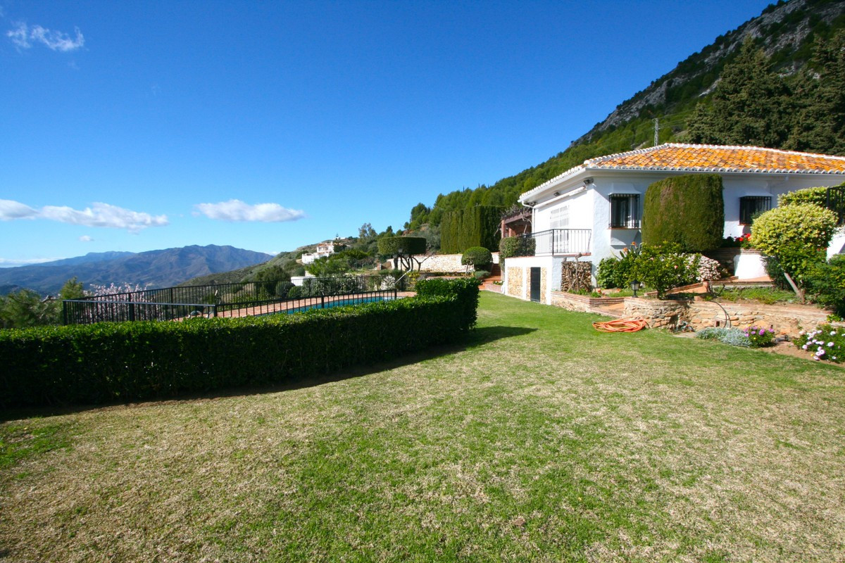 Qlistings - Rustic Andalusian Country House in Mijas, Costa del Sol Property Image