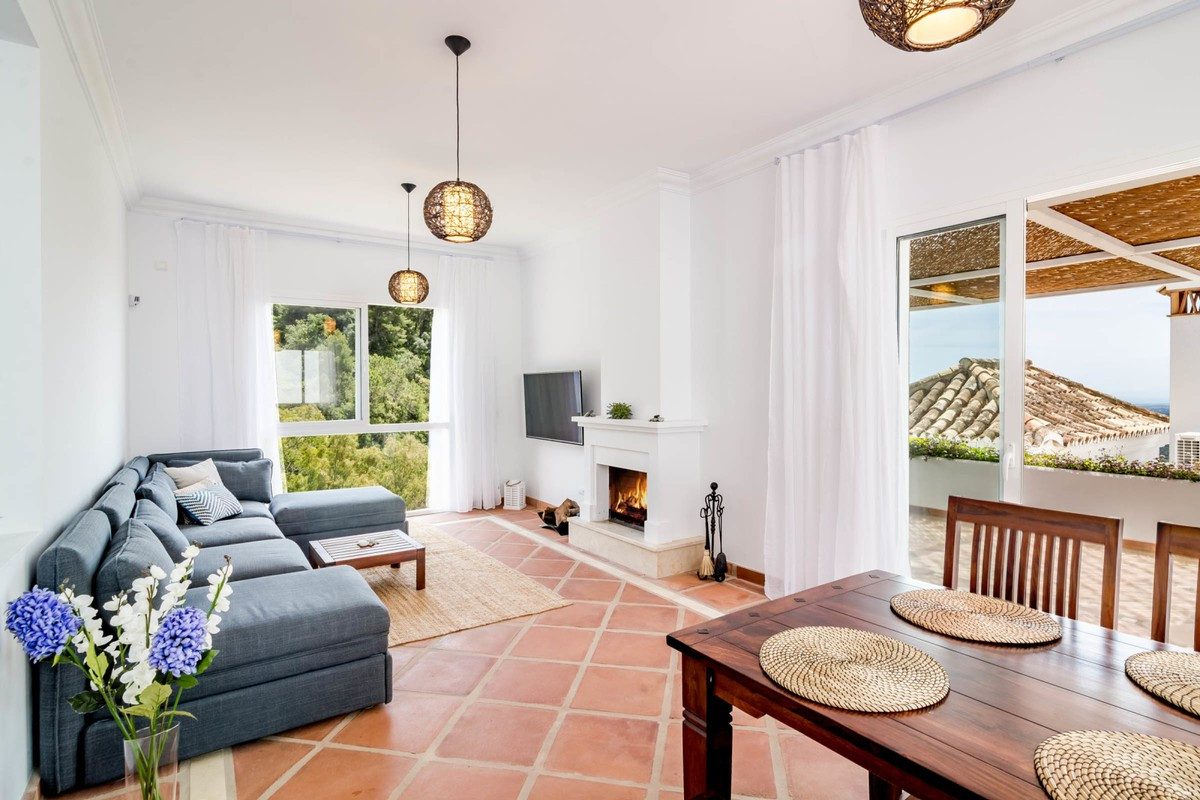 Qlistings - House in Istán, Costa del Sol Property Image