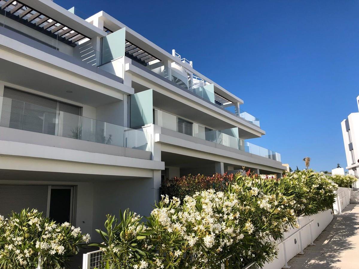 Qlistings - Beautiful Apartment in Cancelada, Costa del Sol Property Image