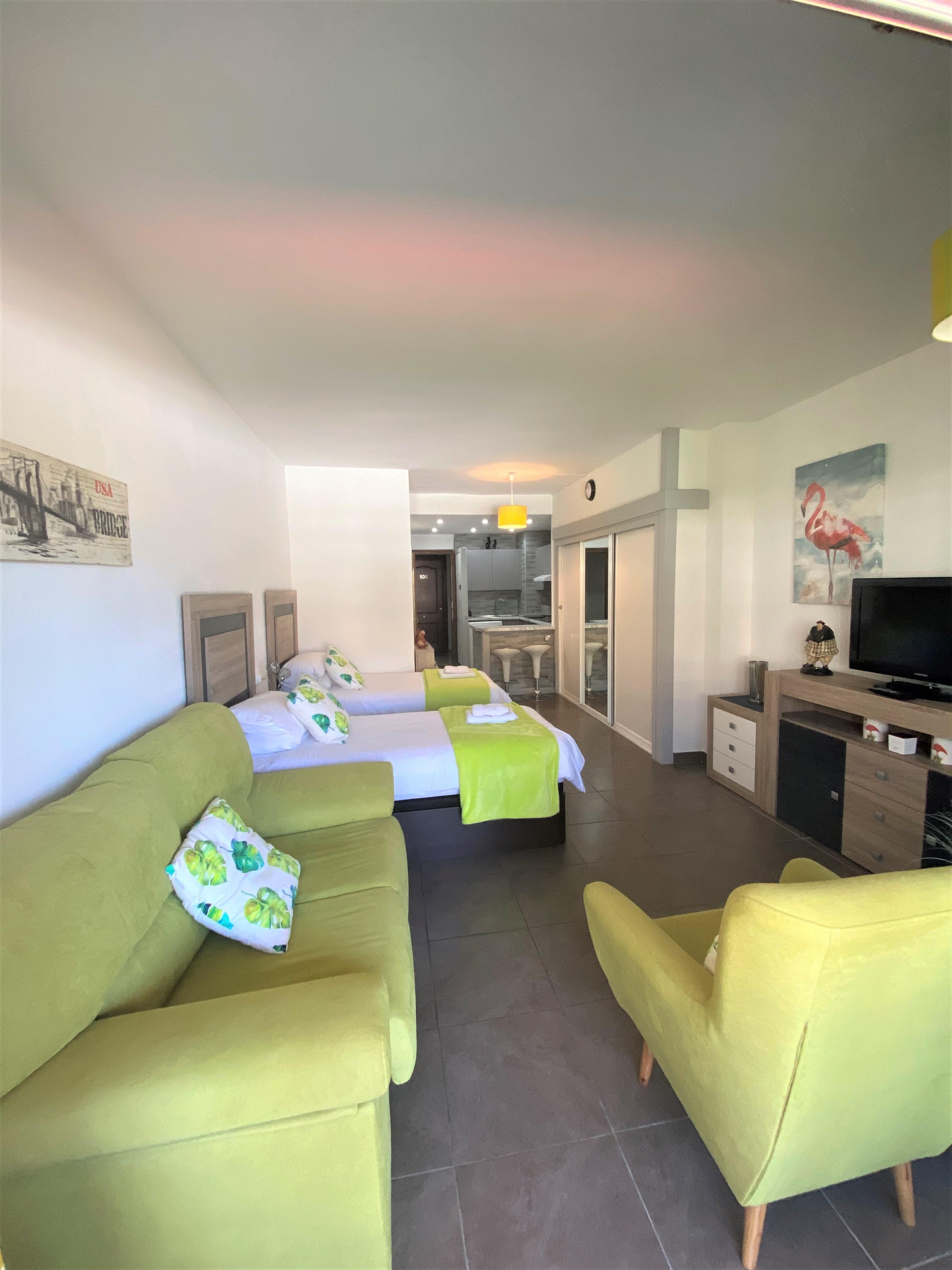 Qlistings - Studio apartment on Marbella's Golden Mile Property Image