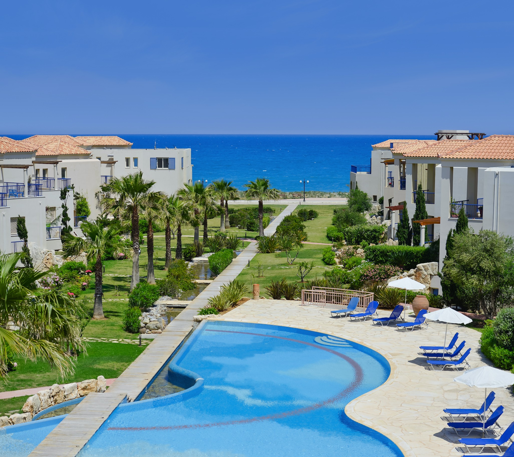 Qlistings - Aphrodite Seafront Apartments Property Image