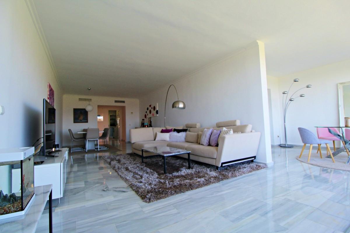 Qlistings - Golf Apartment in Guadalmina Baja, Costa del Sol Property Image