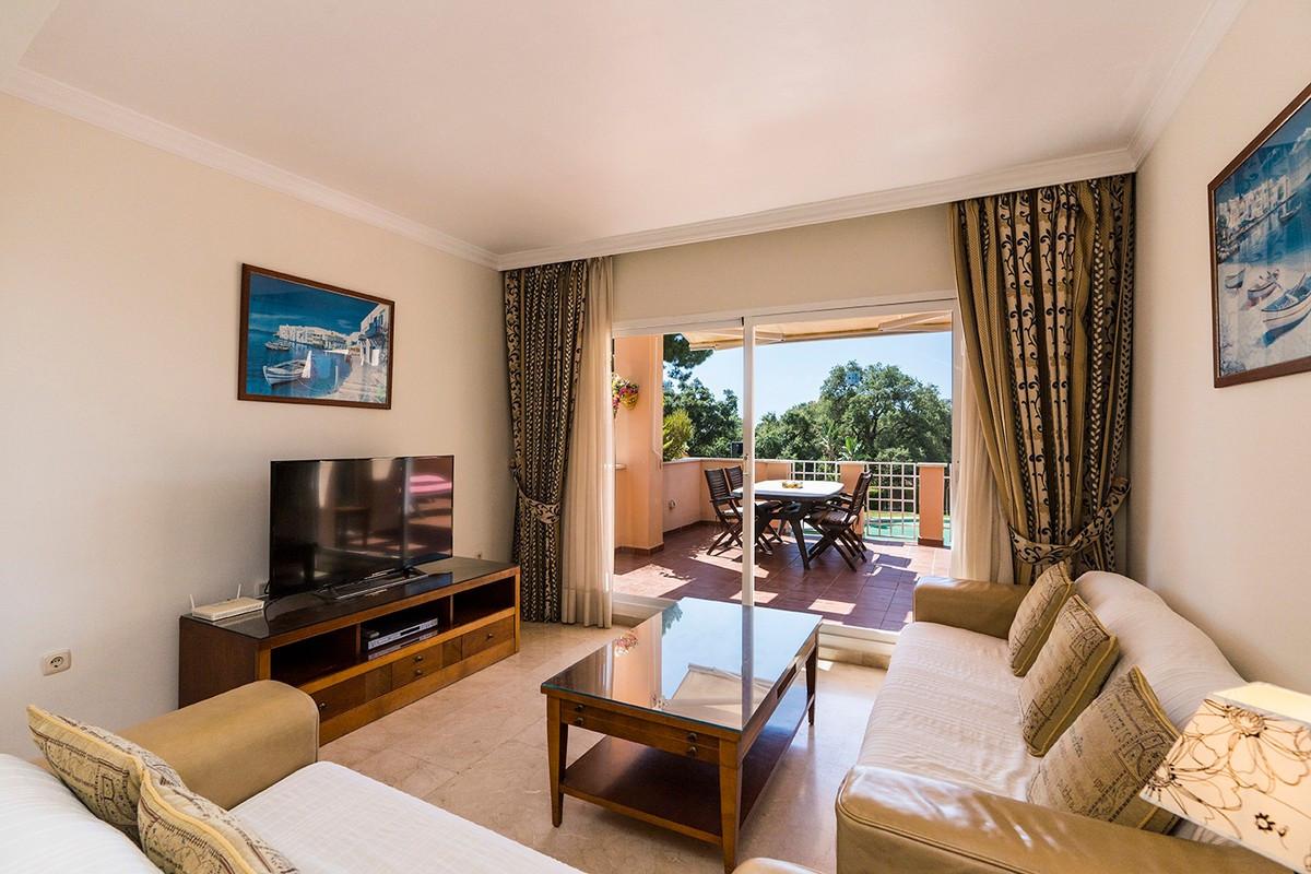 Qlistings - Apartment in Elviria, Costa del Sol Property Image