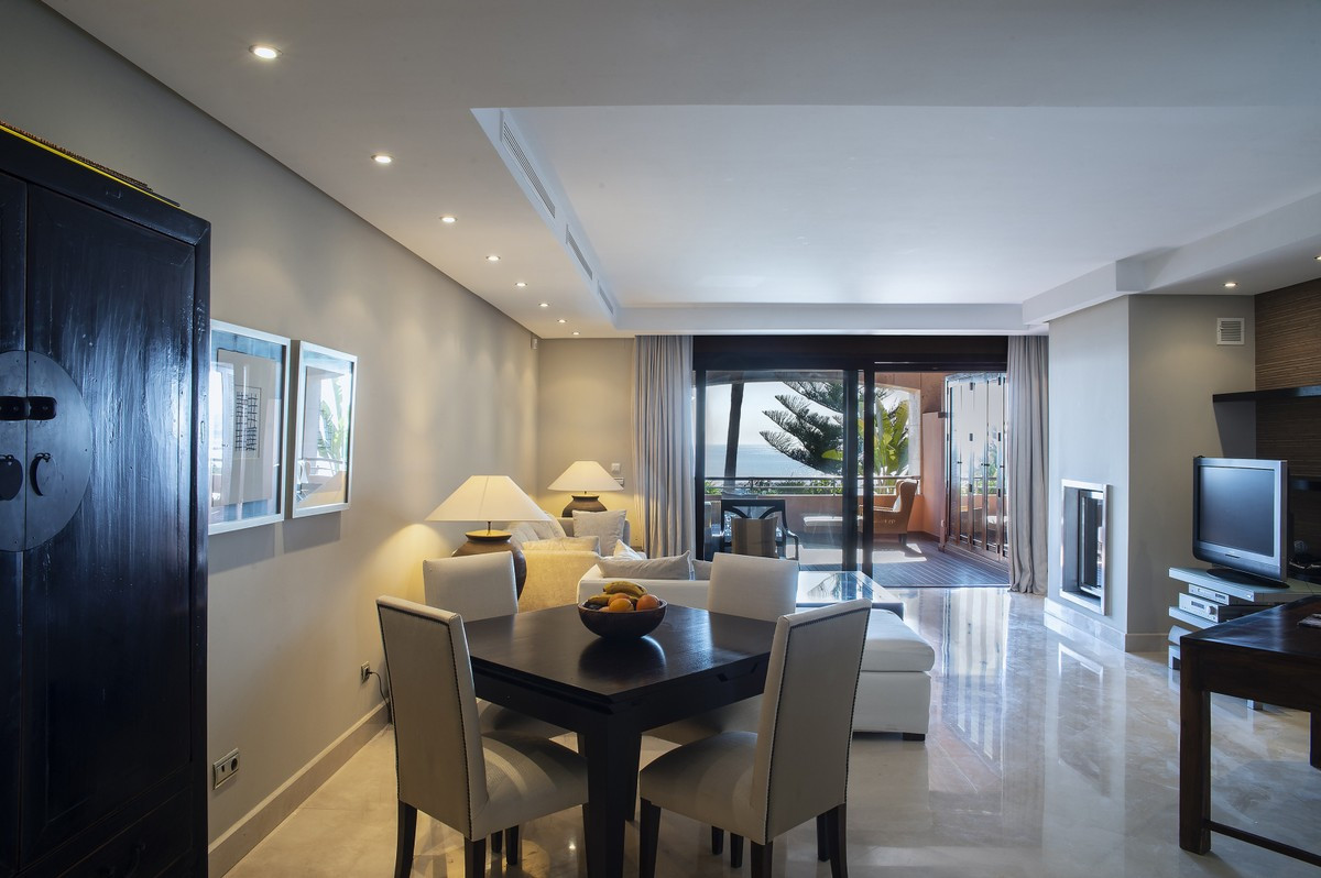 Qlistings - Luxury Apartment in Puerto Banús, Costa del Sol Property Image