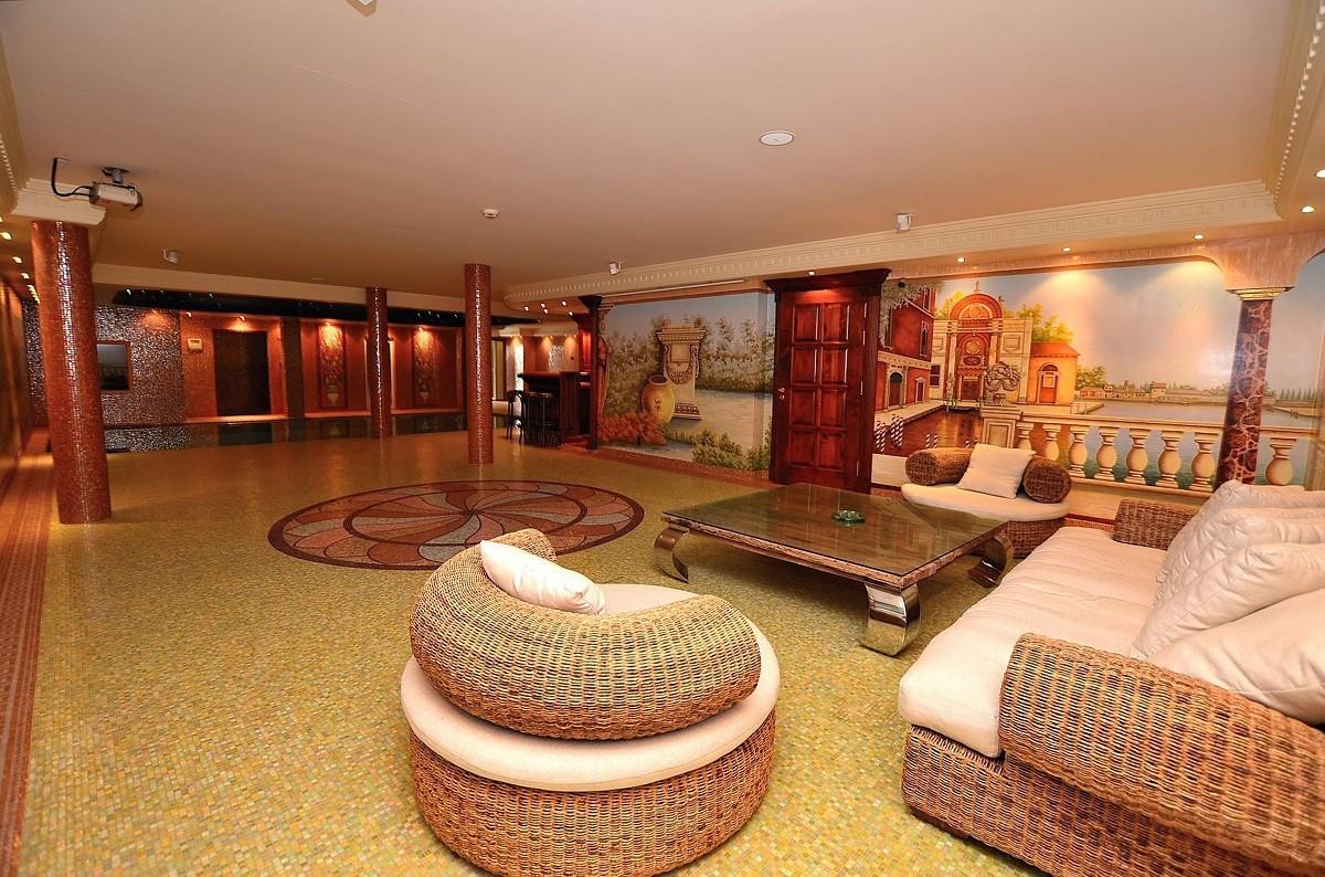 Qlistings - Exclusive Villa with Stunning Sea Views in Benalmadena Costa, Costa del Sol Property Image
