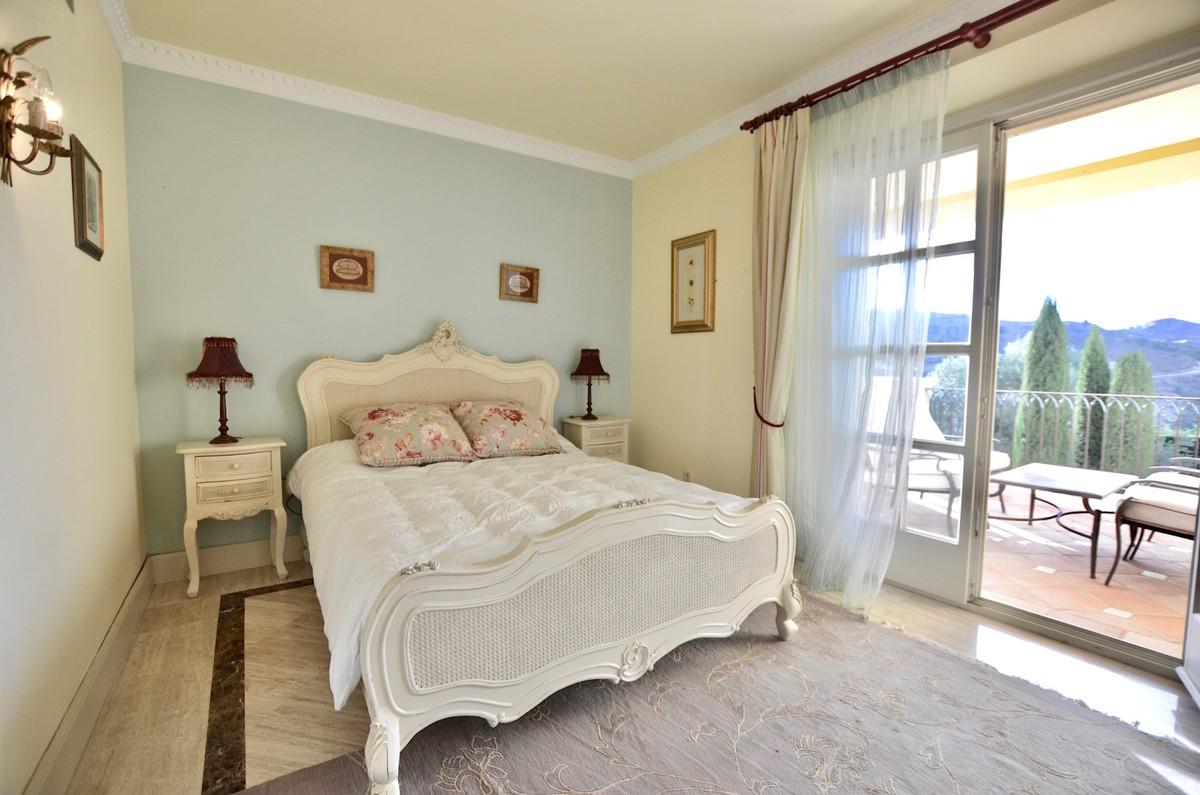 Qlistings - House in Benahavís, Costa del Sol Property Image