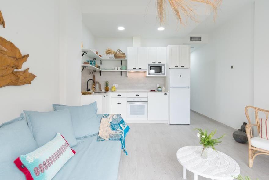 Qlistings - Beautiful Apartment in Benalmadena Costa, Costa del Sol Property Image