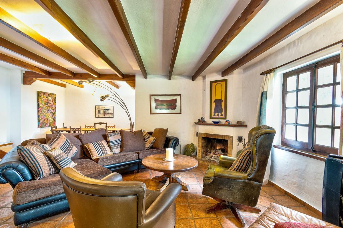 Qlistings - Rustic Style  House Villa in Mijas, Costa del Sol Property Image