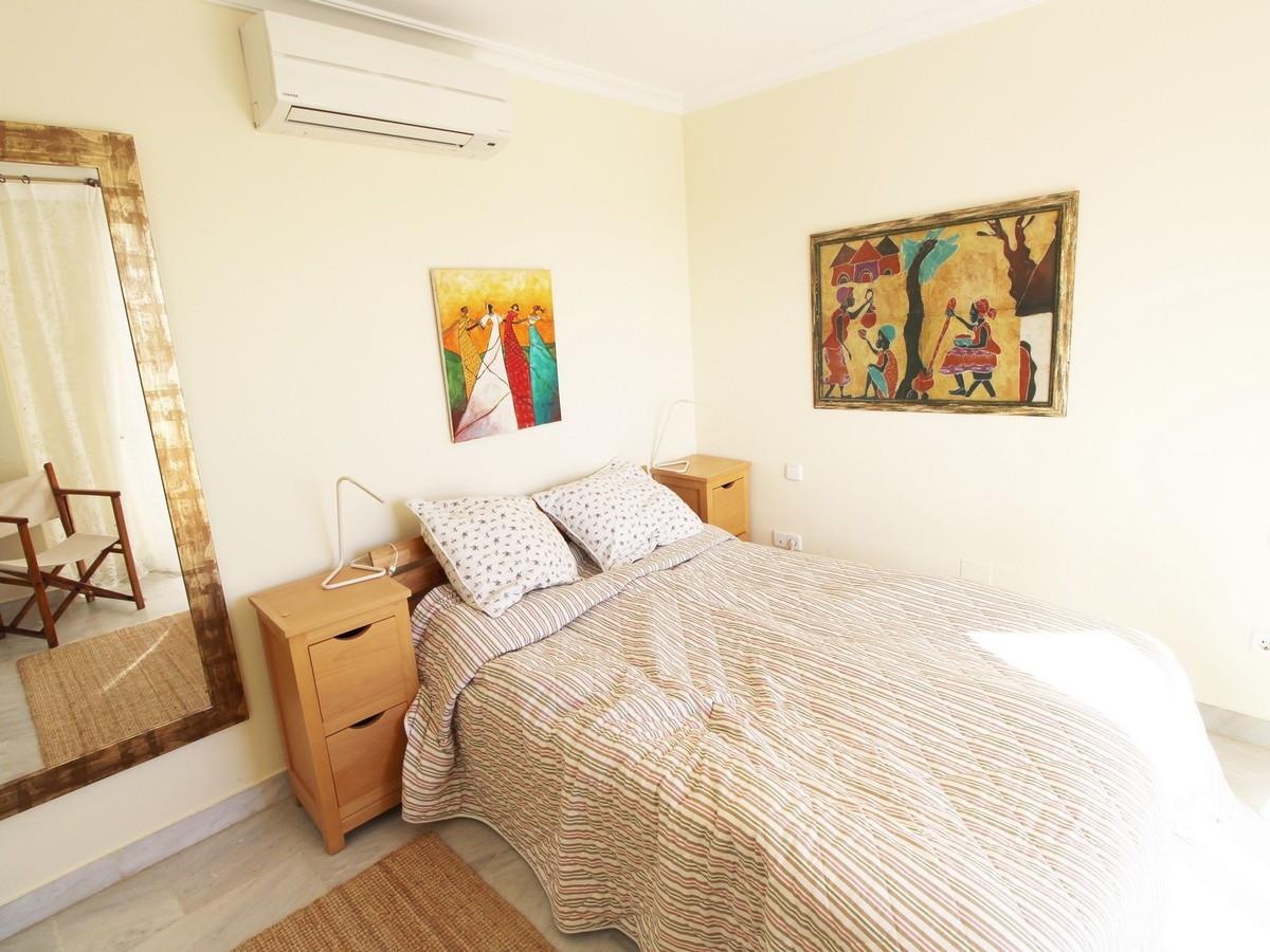 Qlistings - Apartment in Nueva Andalucía, Costa del Sol Property Image