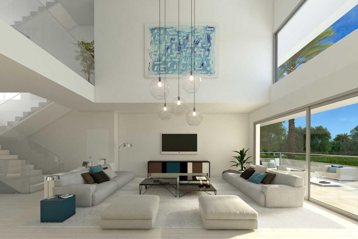 Qlistings - House Villa in Guadalmina Baja, Costa del Sol Property Image