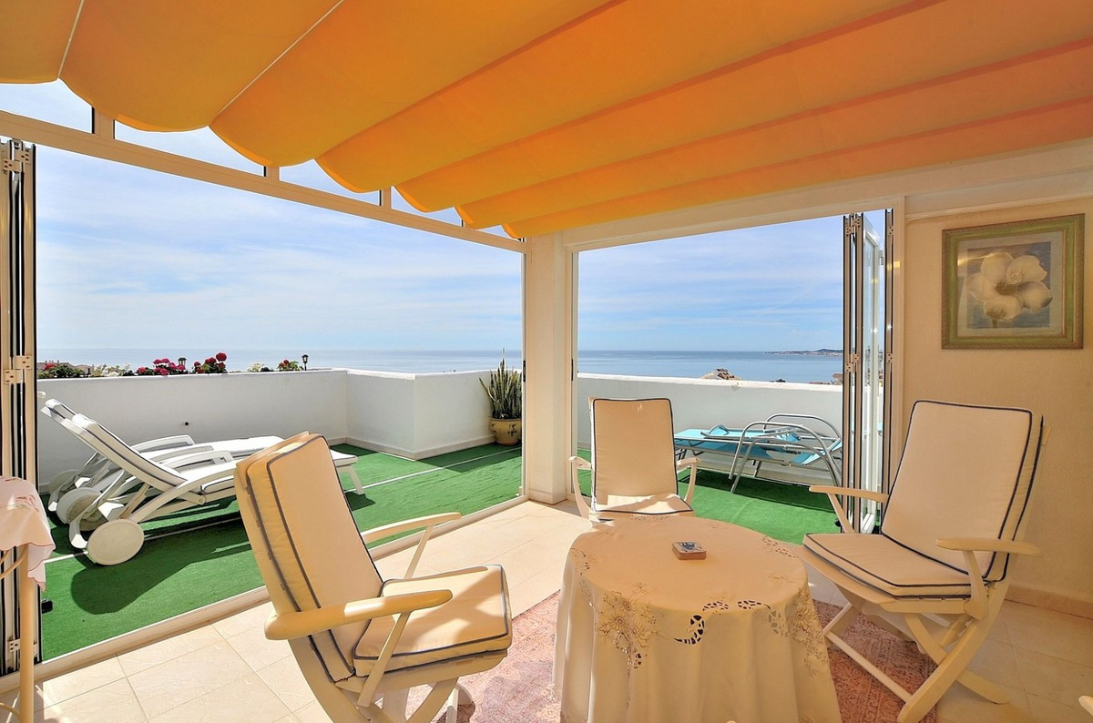 Qlistings - Apartment in Benalmadena Costa, Costa del Sol Property Image