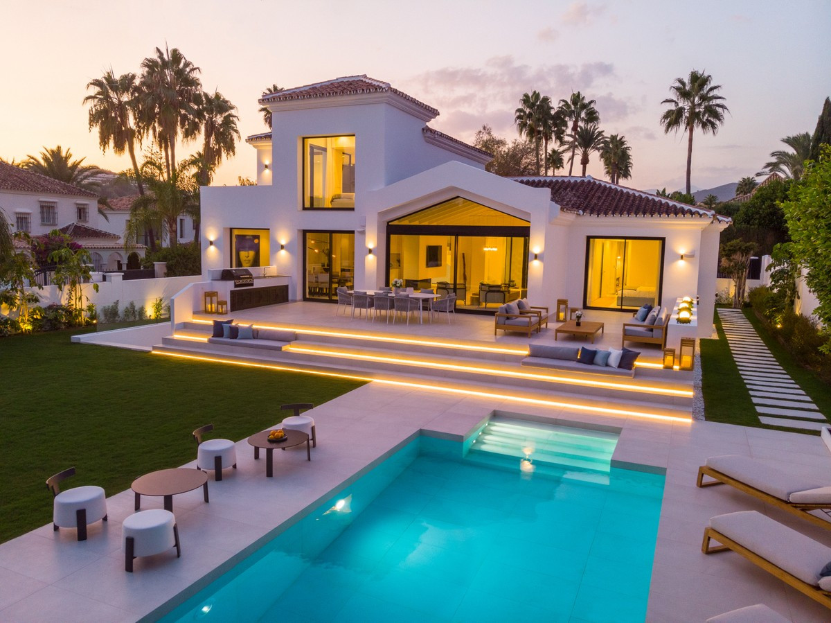 Qlistings - Newly Renovated House in Nueva Andalucía, Costa del Sol Property Image