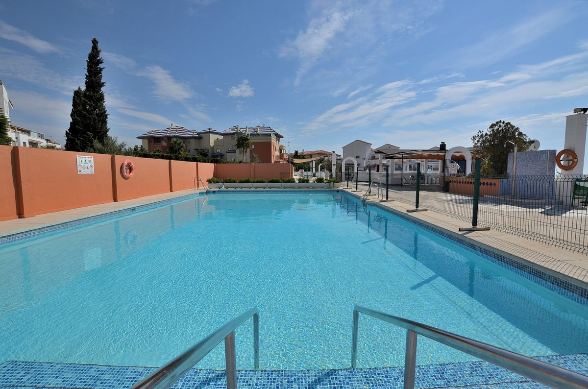 Qlistings - Wonderful Apartment with Great Terrace in Benalmadena Costa, Costa del Sol Property Image