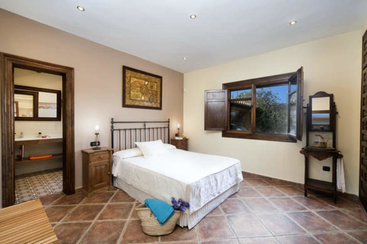 Qlistings - comfortable and spacious House in Mijas, Costa del Sol Property Image