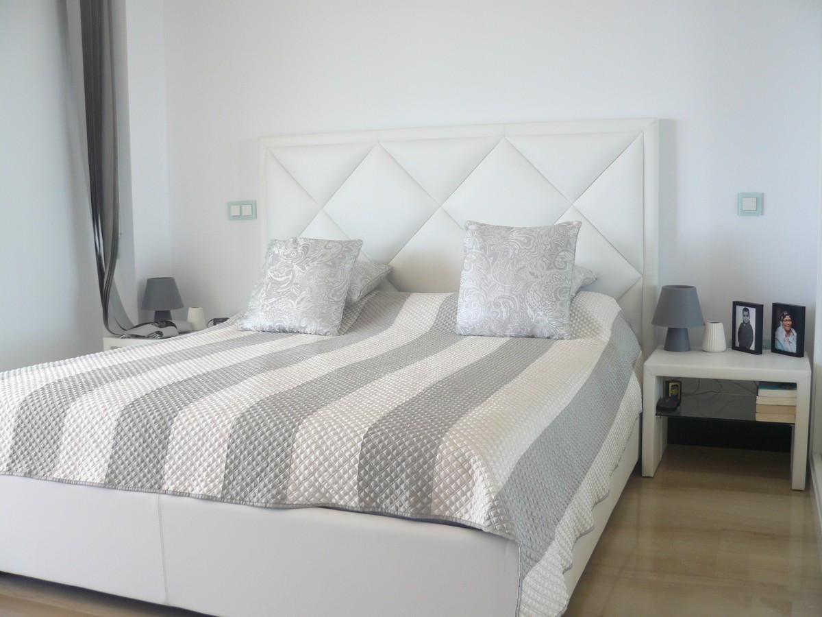 Qlistings - Apartment in Benahavis, Costa del Sol -LA AZALIA Property Image