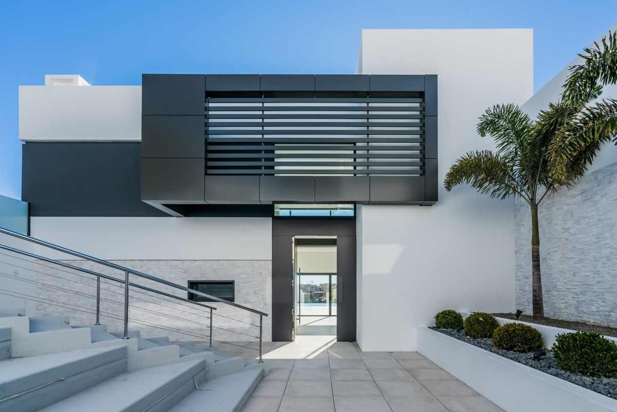 Qlistings - Fantastic House in Benahavís, Costa del Sol - Property Image