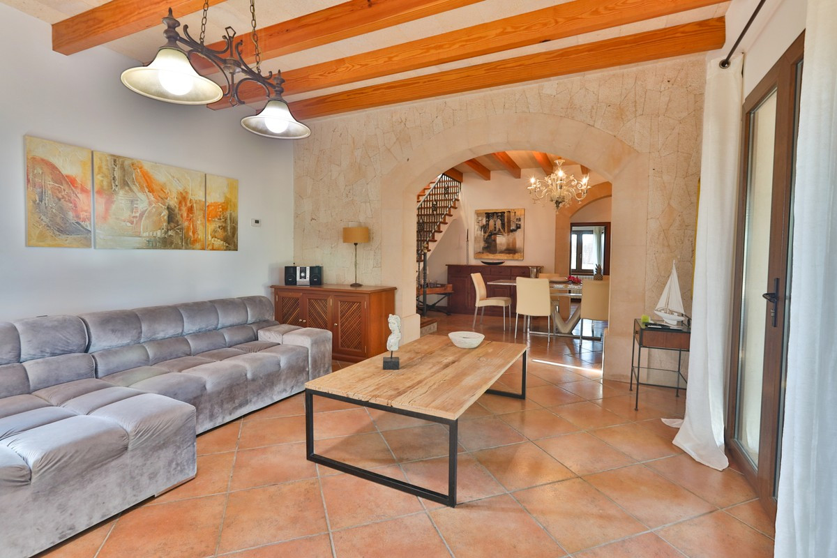 Qlistings - Spacious House in Campos, Mallorca Property Image