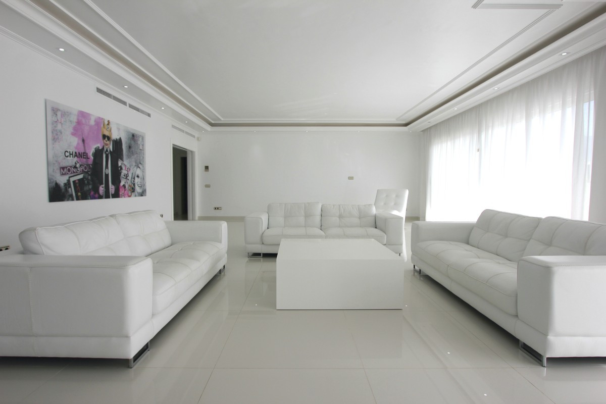 Qlistings - Magnificent 4 Bedroom Penthouse in Puerto Banús Property Image