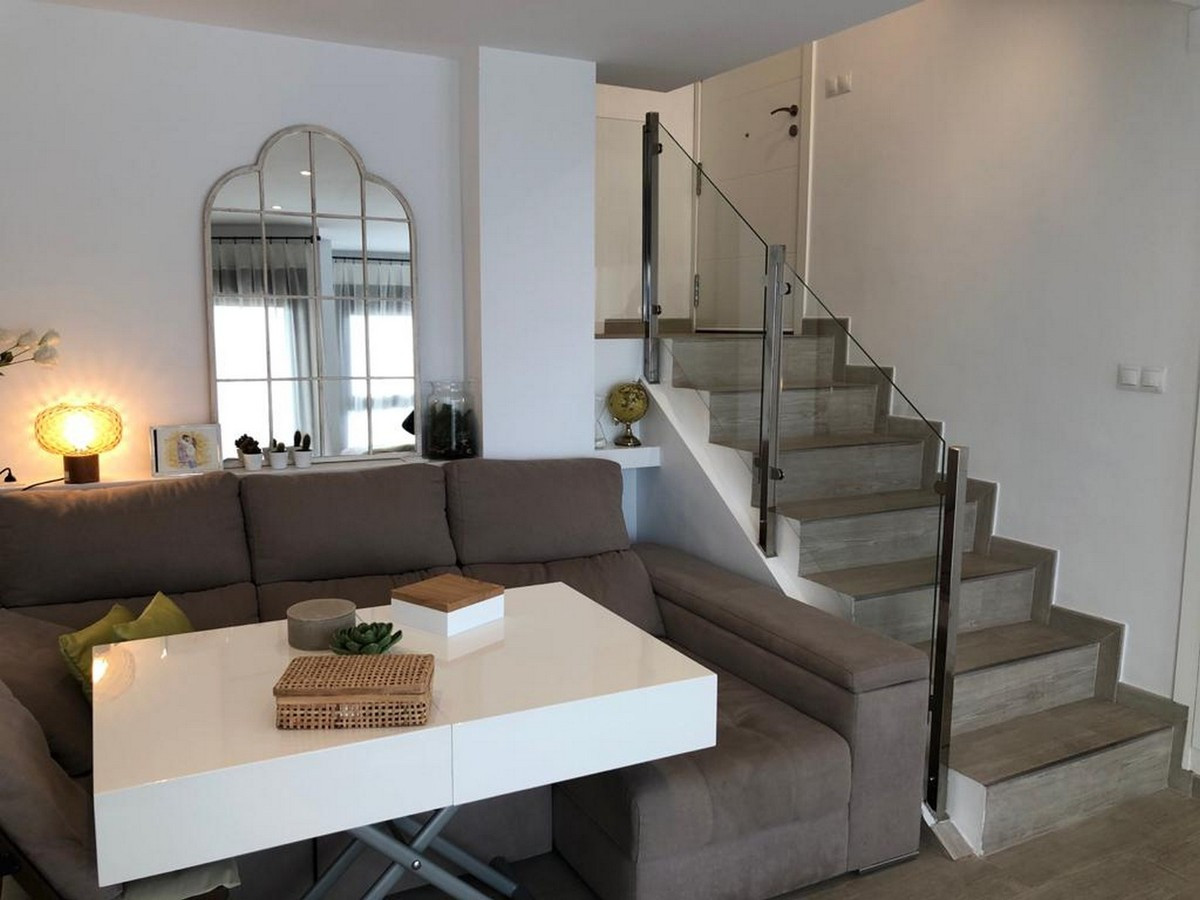 Qlistings - Newly Renovated Apartment on the beachfront in Benalmadena Property Image
