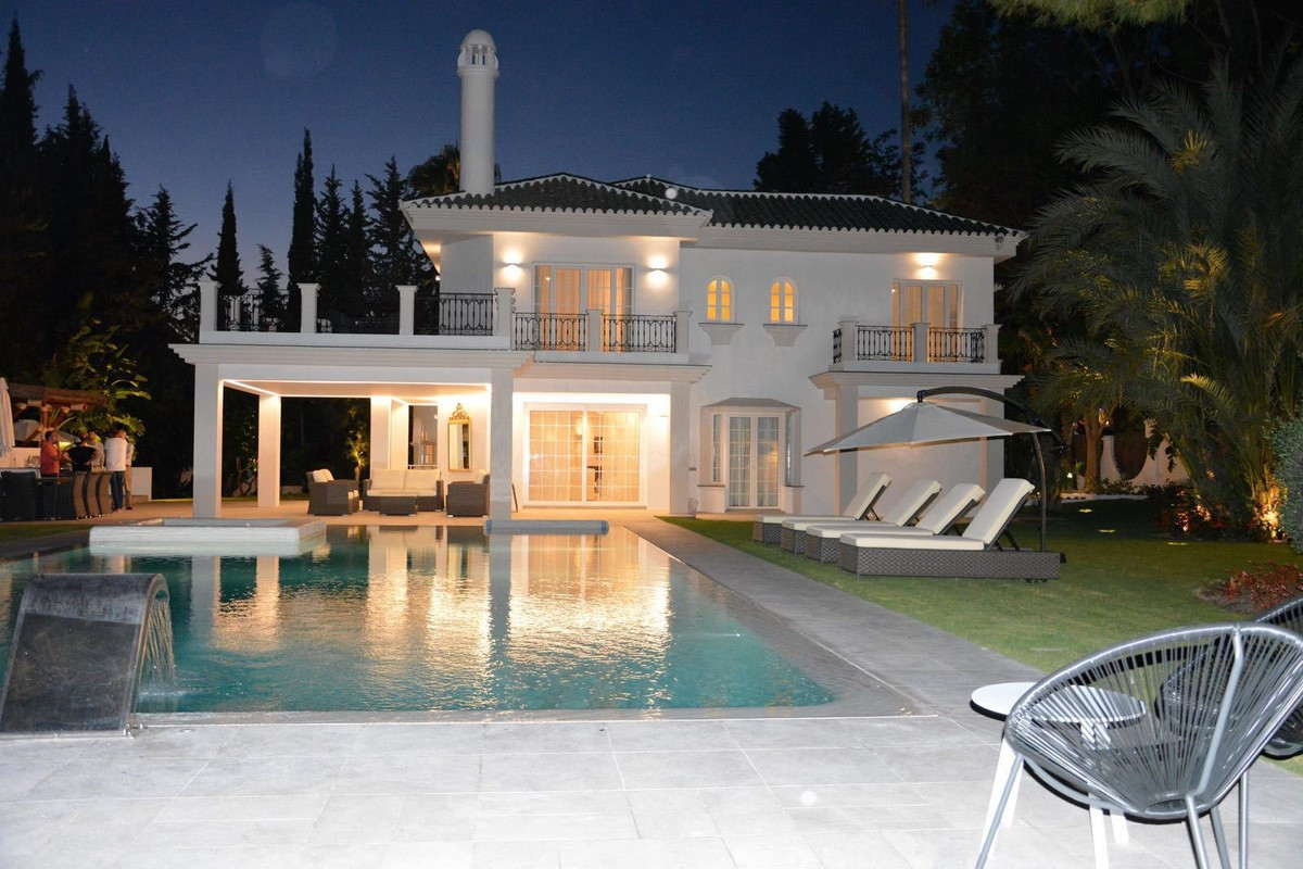 Qlistings - Arabic Style House in Aloha, Costa del Sol - Property Image