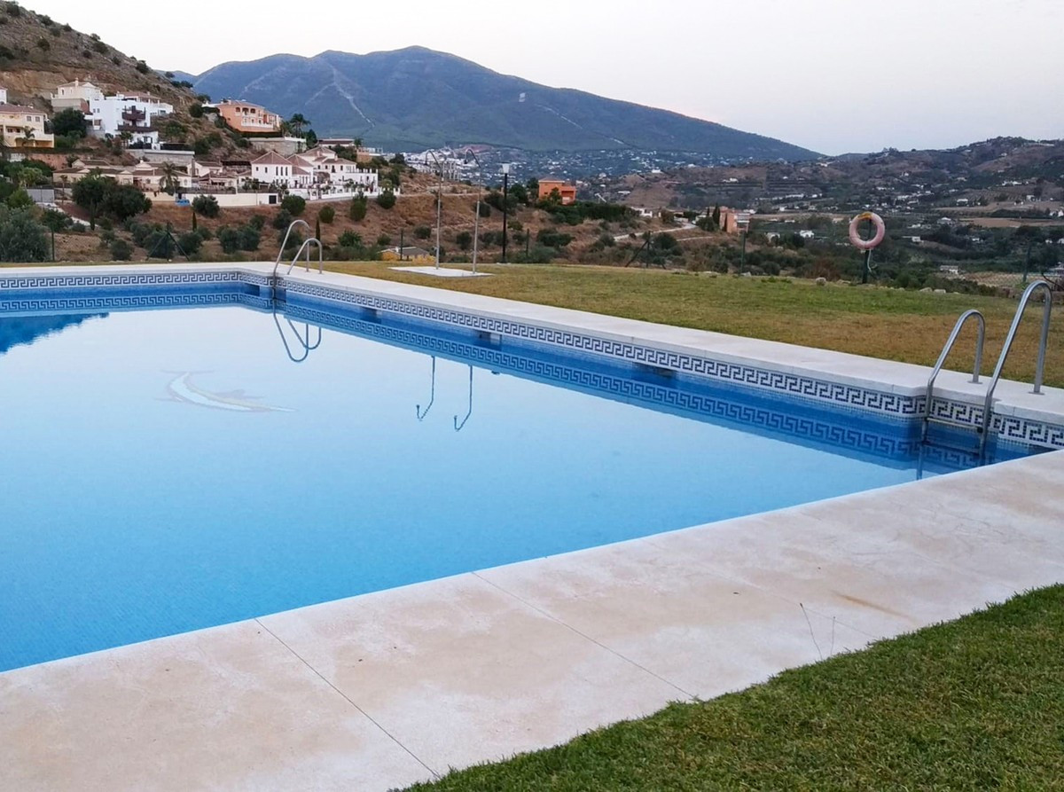 Qlistings - Lovely Spacious Apartments in Coín, Costa del Sol Property Image