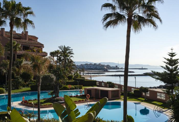 Qlistings - Apartment in Alcanada, Mallorca Property Thumbnail