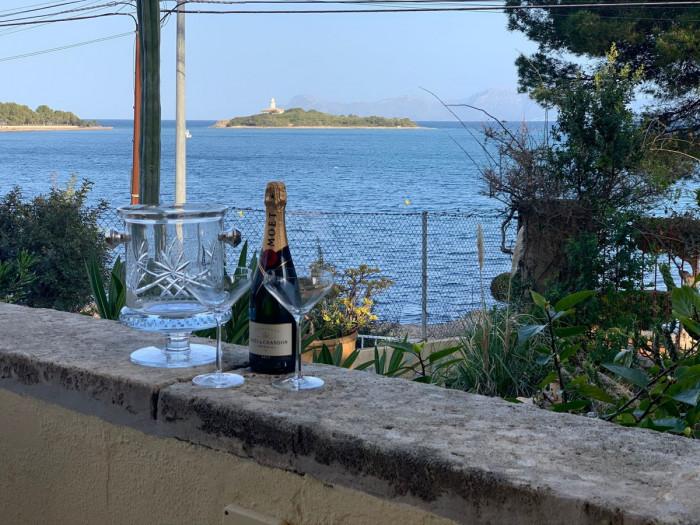 Qlistings - Luxury Apartment in Puerto Banús, Costa del Sol Property Thumbnail