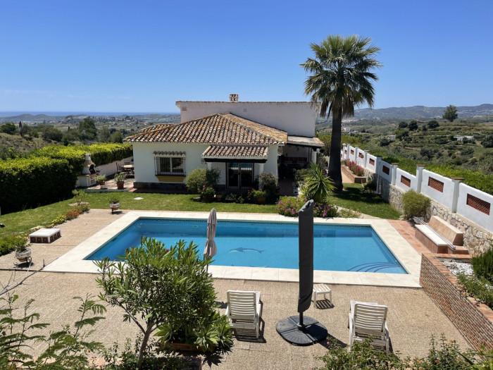 Qlistings - Great Villa in Mijas, Costa del Sol Property Thumbnail
